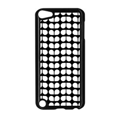 Black And White Leaf Pattern Apple Ipod Touch 5 Case (black) by creativemom