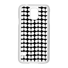 Black And White Leaf Pattern Samsung Galaxy S5 Case (white) by creativemom