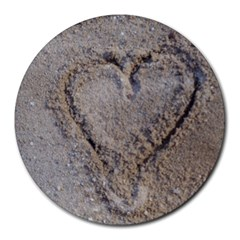 Heart In The Sand 8  Mouse Pad (round)