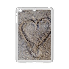 Heart In The Sand Apple Ipad Mini 2 Case (white)