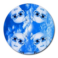 Skydivers 8  Mouse Pad (round) by icarusismartdesigns