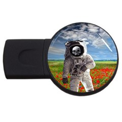 Exodus USB Flash Drive Round (4 GB)  by icarusismartdesigns