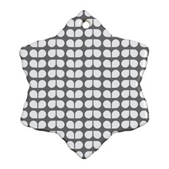 Gray And White Leaf Pattern Snowflake Ornament (2 Side)