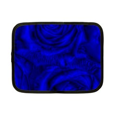 Gorgeous Roses,deep Blue Netbook Case (small)
