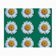 Daisy Pattern  Small Glasses Cloth by theimagezone