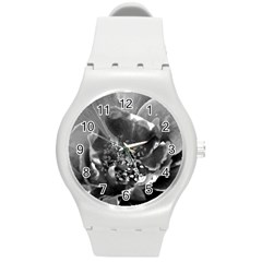 Black And White Rose Round Plastic Sport Watch (m) by timelessartoncanvas