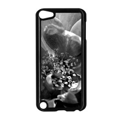 Black And White Rose Apple Ipod Touch 5 Case (black) by timelessartoncanvas