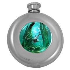 Wonderful Dolphin Round Hip Flask (5 Oz) by FantasyWorld7
