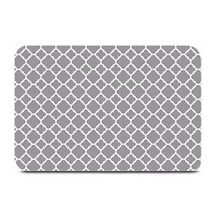 Grey Quatrefoil Pattern Plate Mat by Zandiepants
