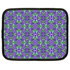 Pretty Purple Flowers Pattern Netbook Case (xxl)