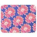 Pink Daisy Pattern Double Sided Flano Blanket (Medium)