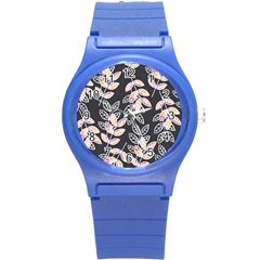 Winter Beautiful Foliage  Round Plastic Sport Watch (S)