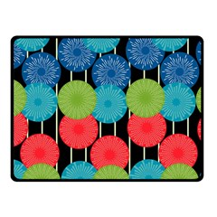 Vibrant Retro Pattern Fleece Blanket (small)