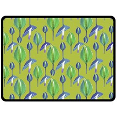Tropical Floral Pattern Fleece Blanket (Large)