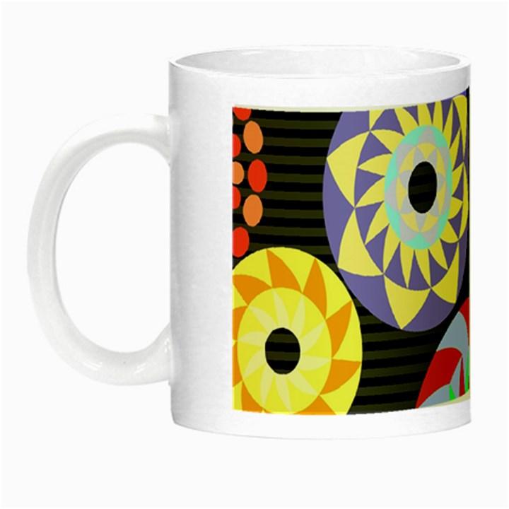 Colorful Retro Circular Pattern Night Luminous Mugs