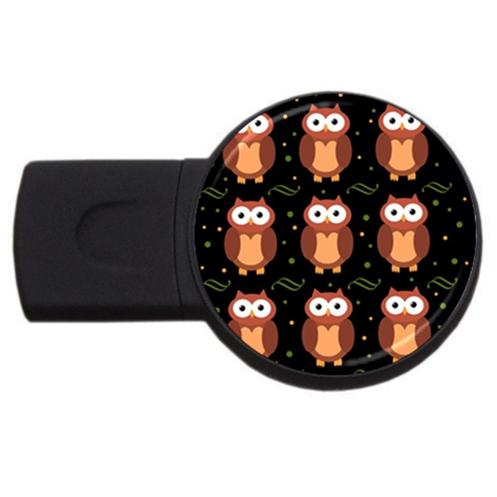 Halloween brown owls  USB Flash Drive Round (4 GB)