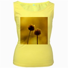 Withered Globe Thistle In Autumn Macro Women s Yellow Tank Top