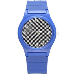 Modern Dots In Squares Mosaic Black White Round Plastic Sport Watch (S)