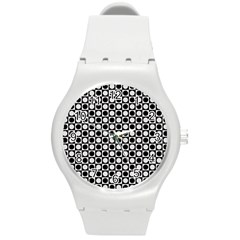 Modern Dots In Squares Mosaic Black White Round Plastic Sport Watch (M)