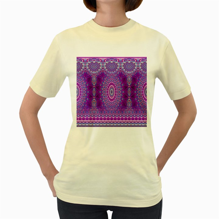 India Ornaments Mandala Pillar Blue Violet Women s Yellow T-Shirt