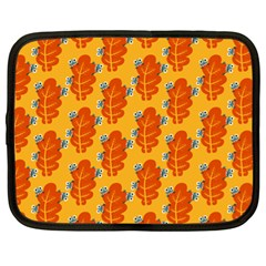 Bugs Eat Autumn Leaf Pattern Netbook Case (xl)