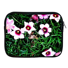 Pink Flowers Over A Green Grass Apple Ipad 2/3/4 Zipper Cases