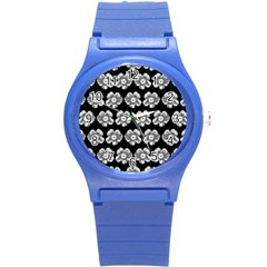White Gray Flower Pattern On Black Round Plastic Sport Watch (s)