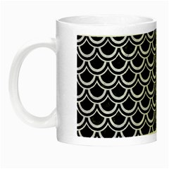 Scales2 Black Marble & White Marble Night Luminous Mug by trendistuff