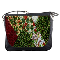Christmas Quilt Background Messenger Bags