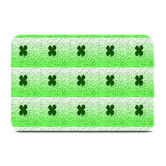 Shamrock Pattern Background Plate Mats by Nexatart
