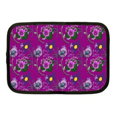 Flower Pattern Netbook Case (medium)