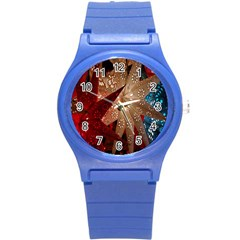 Poinsettia Red Blue White Round Plastic Sport Watch (s)