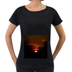 Sunset Sun Fireball Setting Sun Women s Loose Fit T Shirt (black) by Simbadda