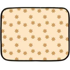 Pattern Gingerbread Star Fleece Blanket (mini) by Simbadda