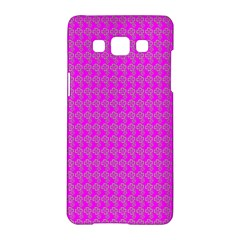 Clovers On Pink Samsung Galaxy A5 Hardshell Case  by PhotoNOLA