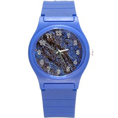 Cracked Mud And Sand Abstract Round Plastic Sport Watch (s)
