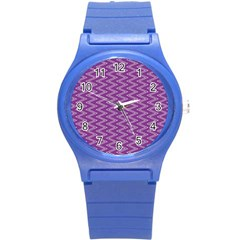 Purple Zig Zag Pattern Background Wallpaper Round Plastic Sport Watch (s)