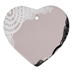 Circles Background Ornament (heart)