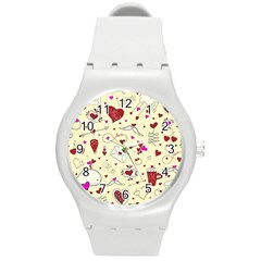 Valentinstag Love Hearts Pattern Red Yellow Round Plastic Sport Watch (m) by EDDArt