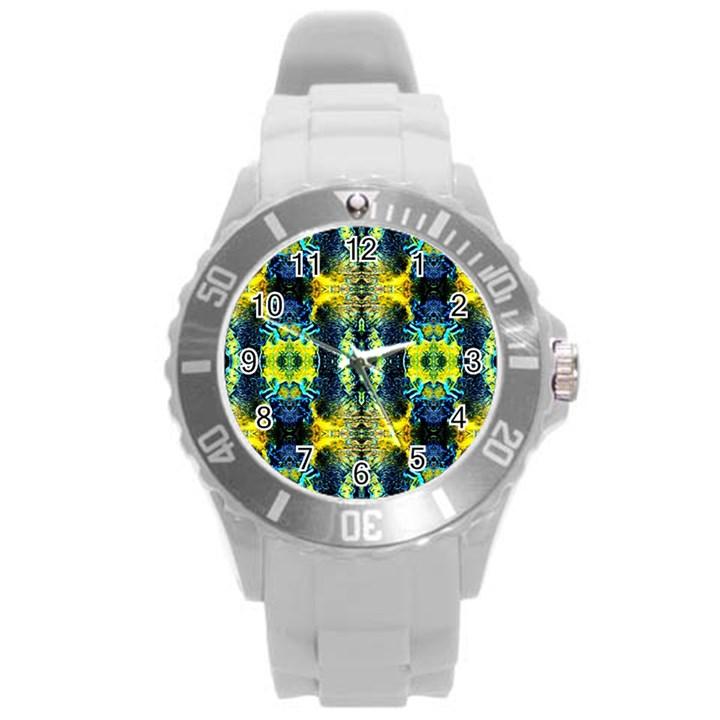 Mystic Yellow Green Ornament Pattern Round Plastic Sport Watch (L)