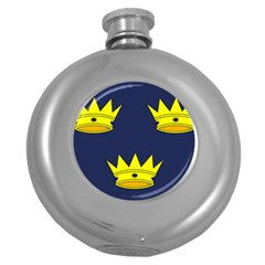 Flag Of Irish Province Of Munster Round Hip Flask (5 Oz) by abbeyz71