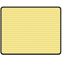 Pattern Yellow Heart Heart Pattern Fleece Blanket (Medium)