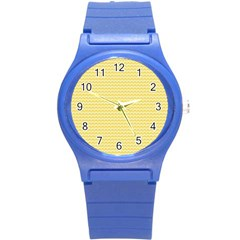 Pattern Yellow Heart Heart Pattern Round Plastic Sport Watch (S)