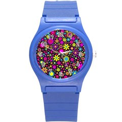 Bright And Busy Floral Wallpaper Background Round Plastic Sport Watch (s)