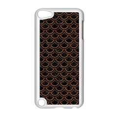 Scales2 Black Marble & Brown Wood Apple Ipod Touch 5 Case (white)