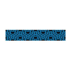 Triangle Knot Blue And Black Fabric Flano Scarf (mini)