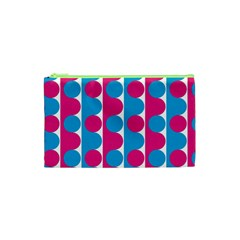 Pink And Bluedots Pattern Cosmetic Bag (xs)