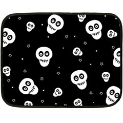Skull Pattern Fleece Blanket (mini)
