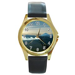 Bromo Caldera De Tenegger  Indonesia Round Gold Metal Watch