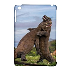 Komodo Dragons Fight Apple Ipad Mini Hardshell Case (compatible With Smart Cover) by Nexatart